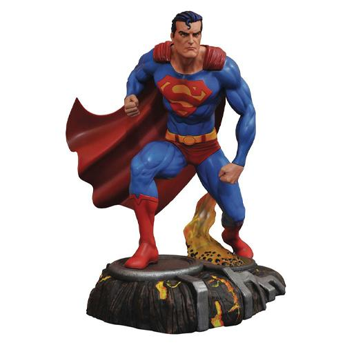 Superman DC Gallery PVC Statue