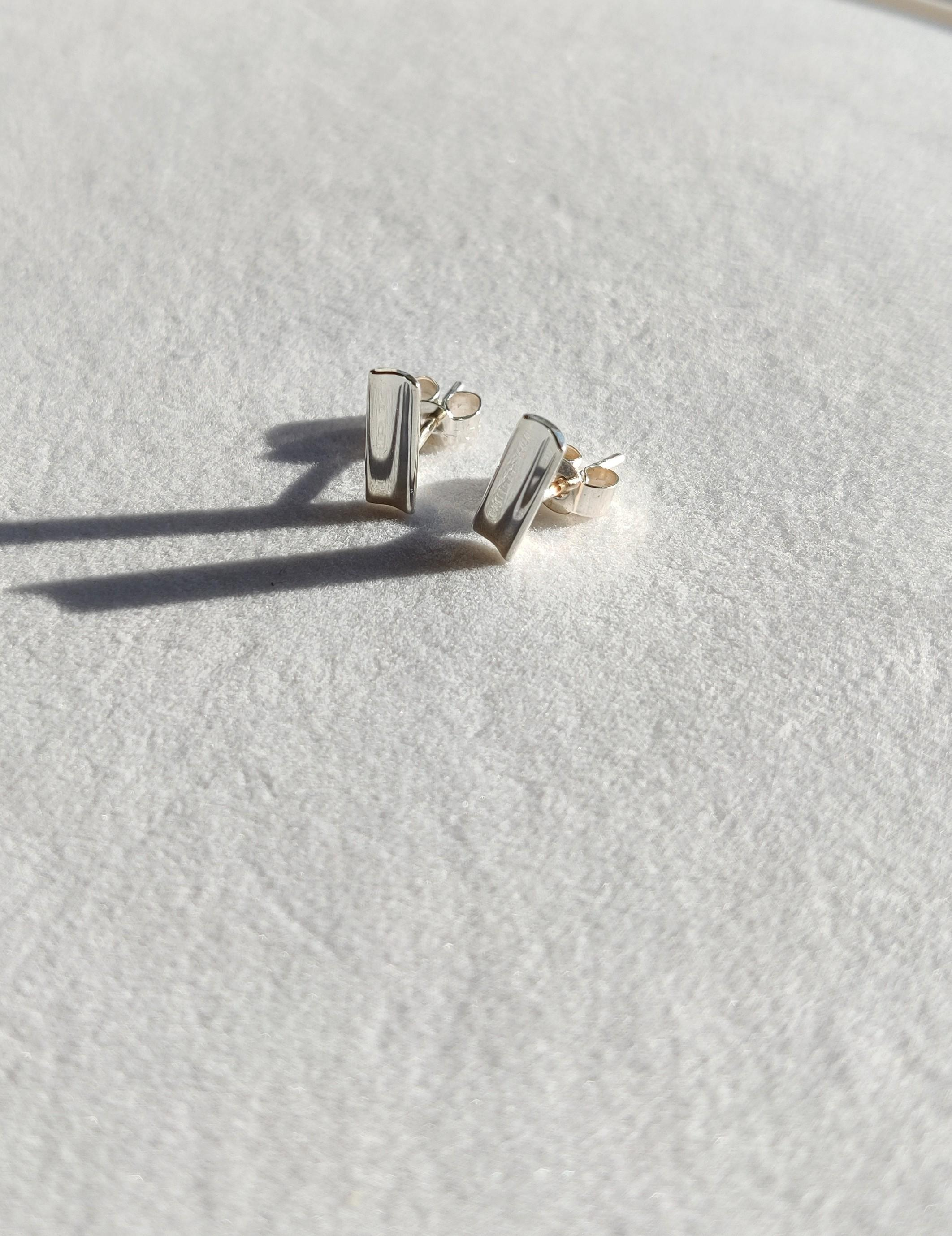 The Diamond Setter petite stud earrings silver