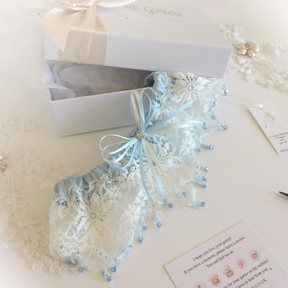 Dream wedding garter in ivory and blue