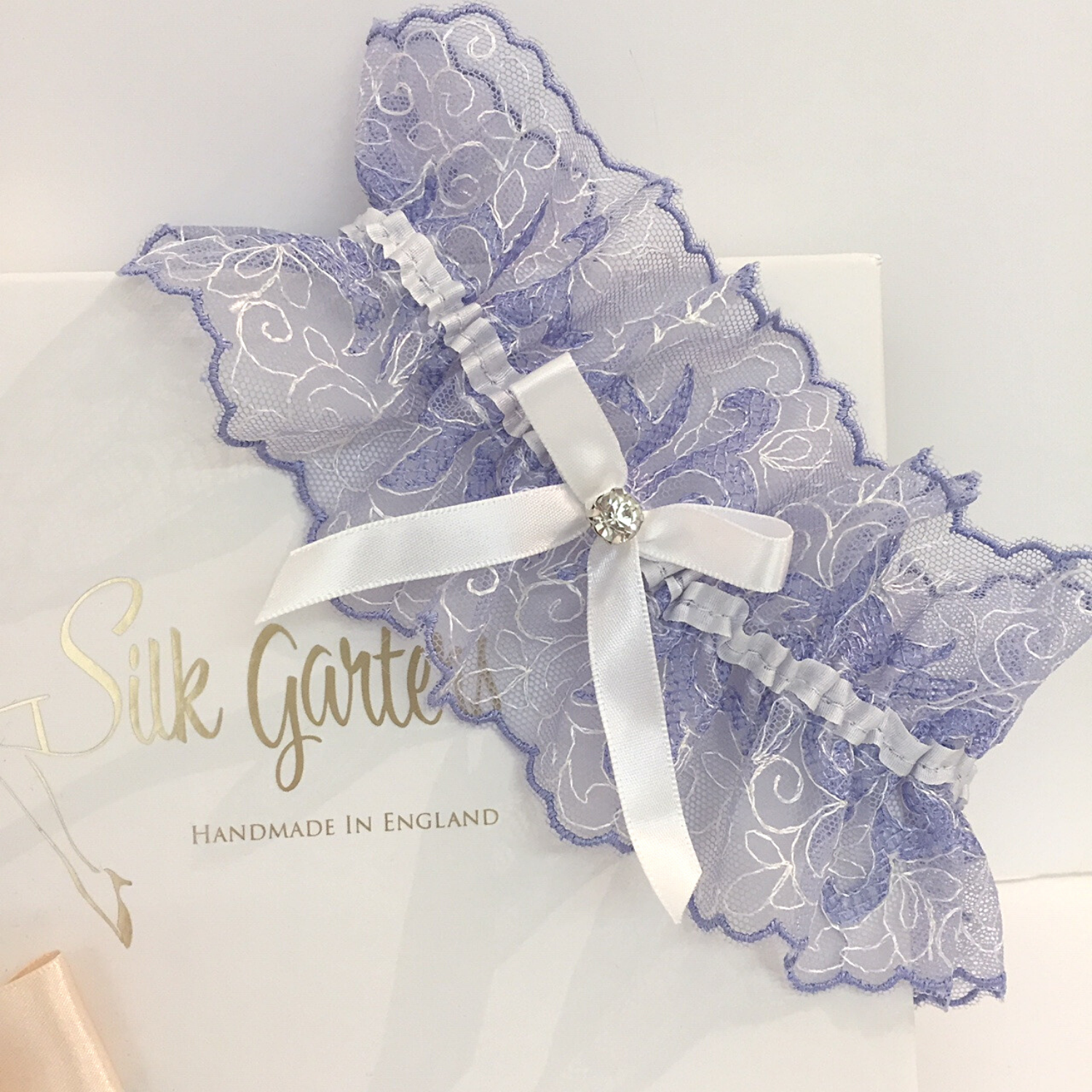 Delicate tulle wedding garter