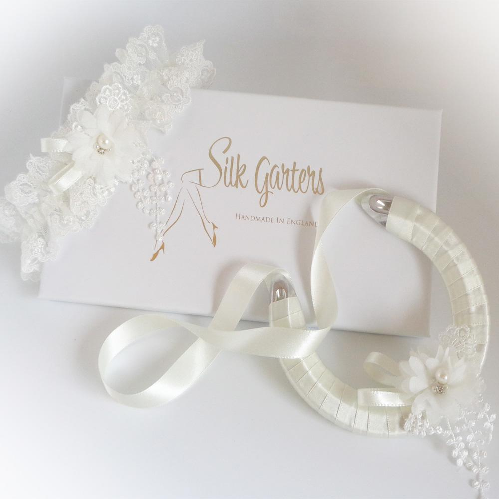 Luxury wedding garter and horseshoe set 'Sophia' with delicate tulle UK