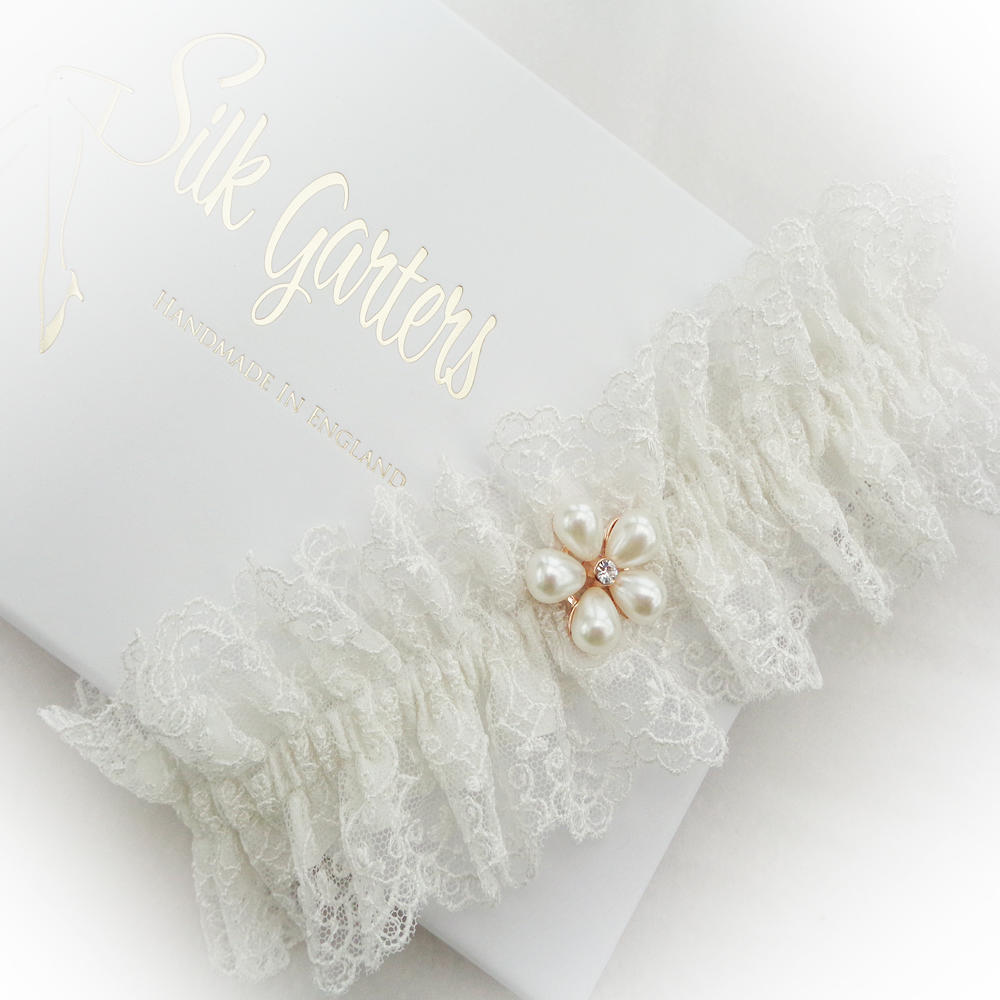 Bridal garter in ivory silk with Nottingham embroidered tulle