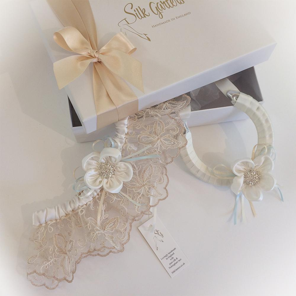 Why Do Brides Wear Garters On Their Wedding Day: Ayana Bespoke Wedding Garter And Horseshoe Sets For The Bride