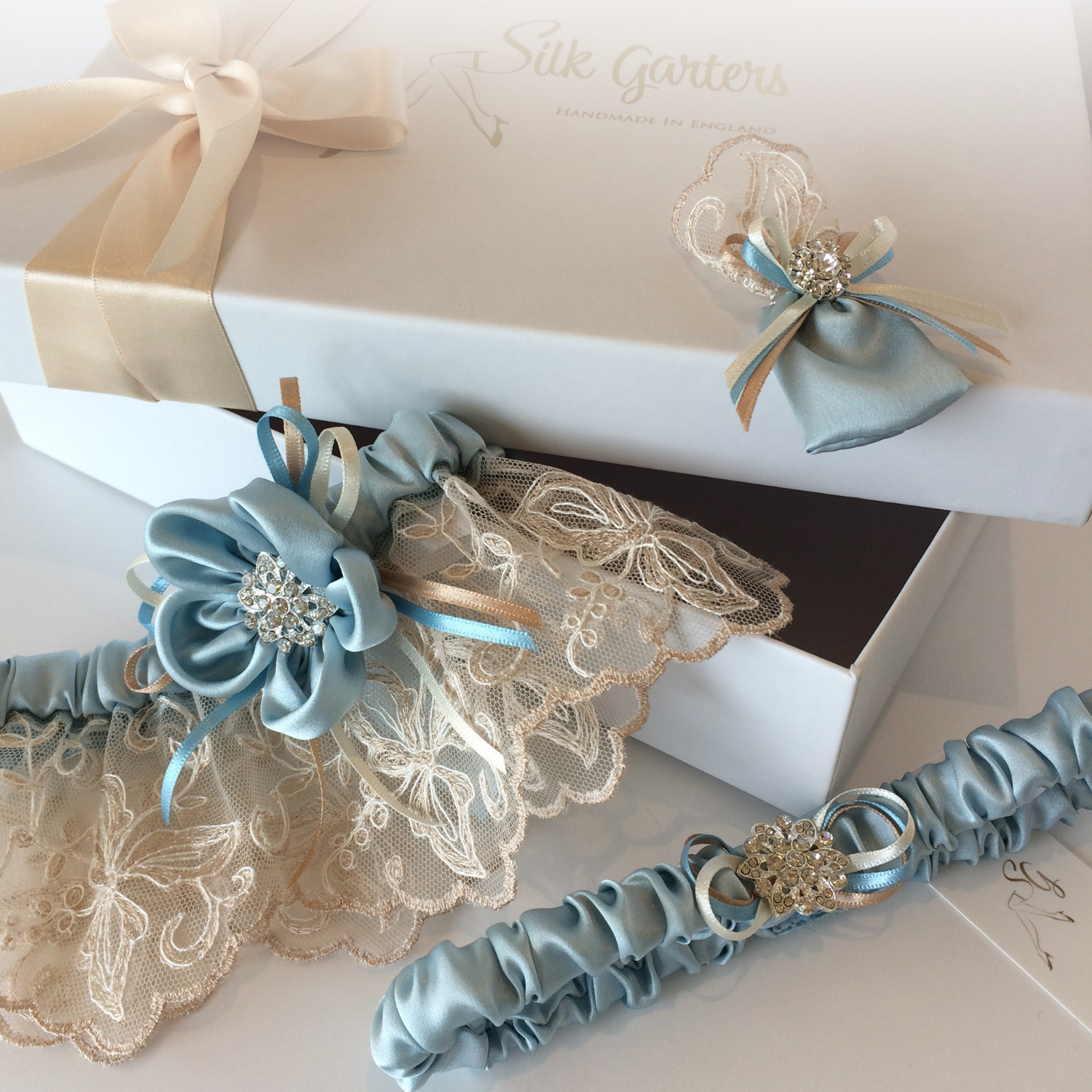 Luxury wedding garter set rare Nottingham lace