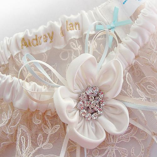 wedding garter set luxury nottingham lace