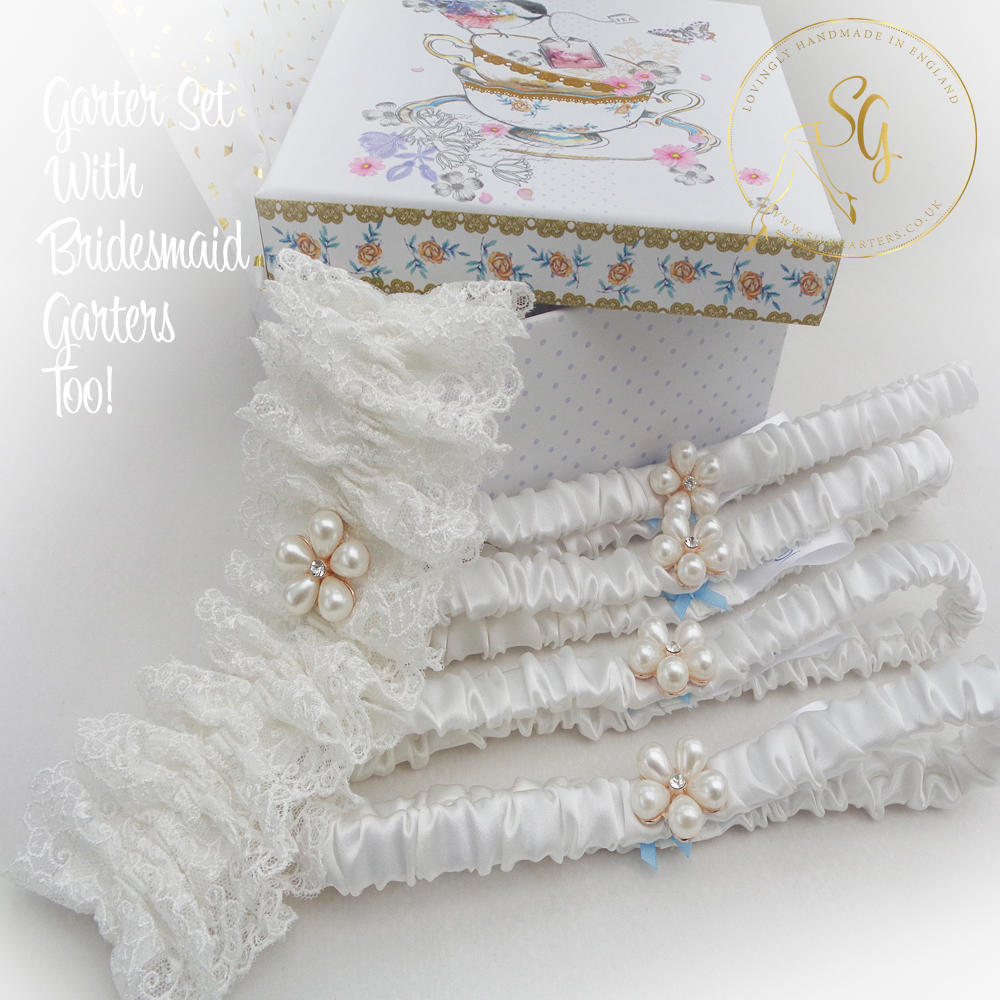 Funny Wedding Garters: Treat Your Maids To Gorgeous Matching Garters They'll Feel
