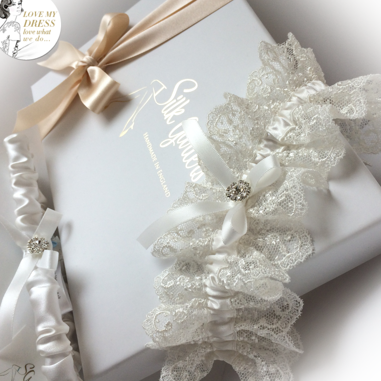 ivory silk ruffle luxury wedding garter
