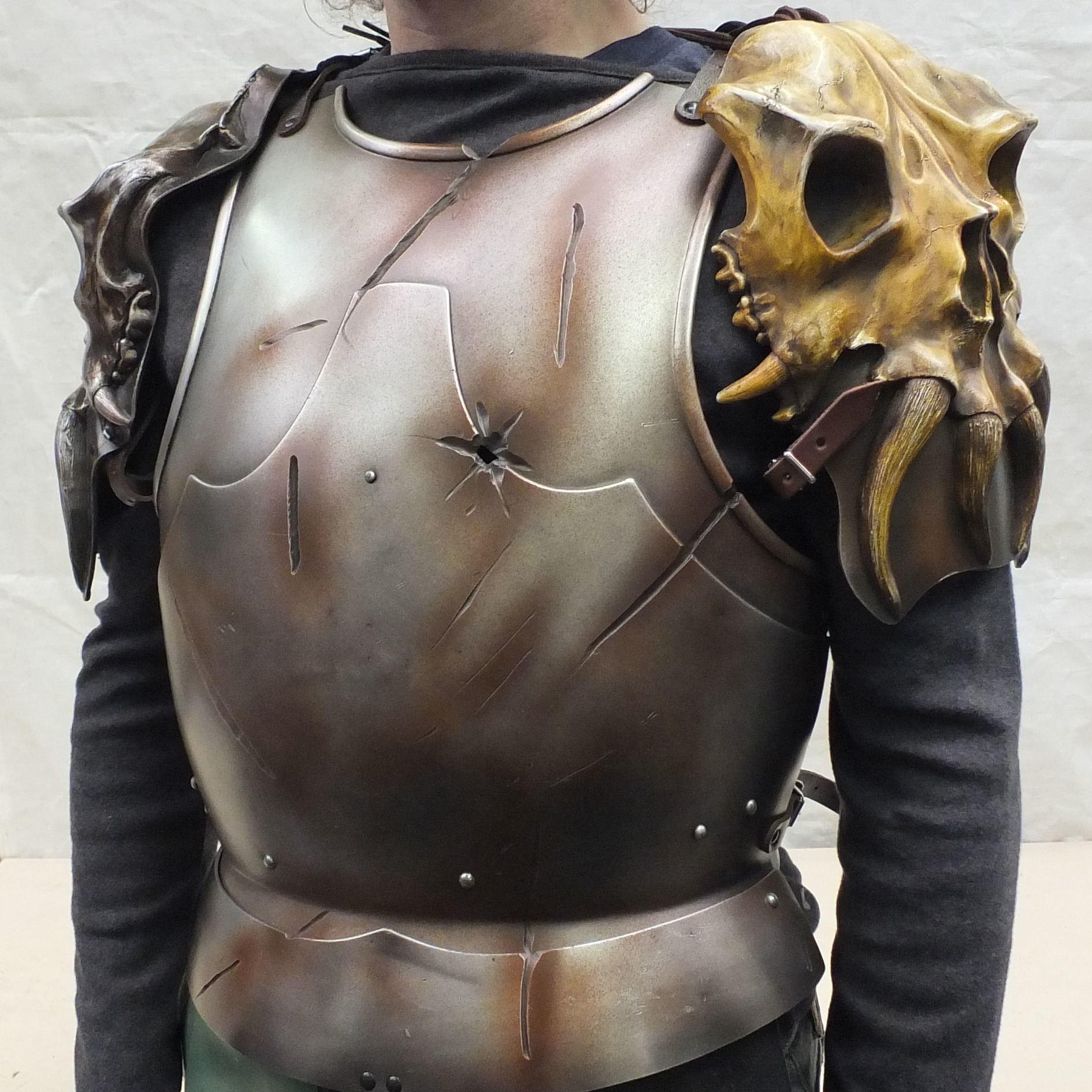 Osseus demon skull larp shoulders