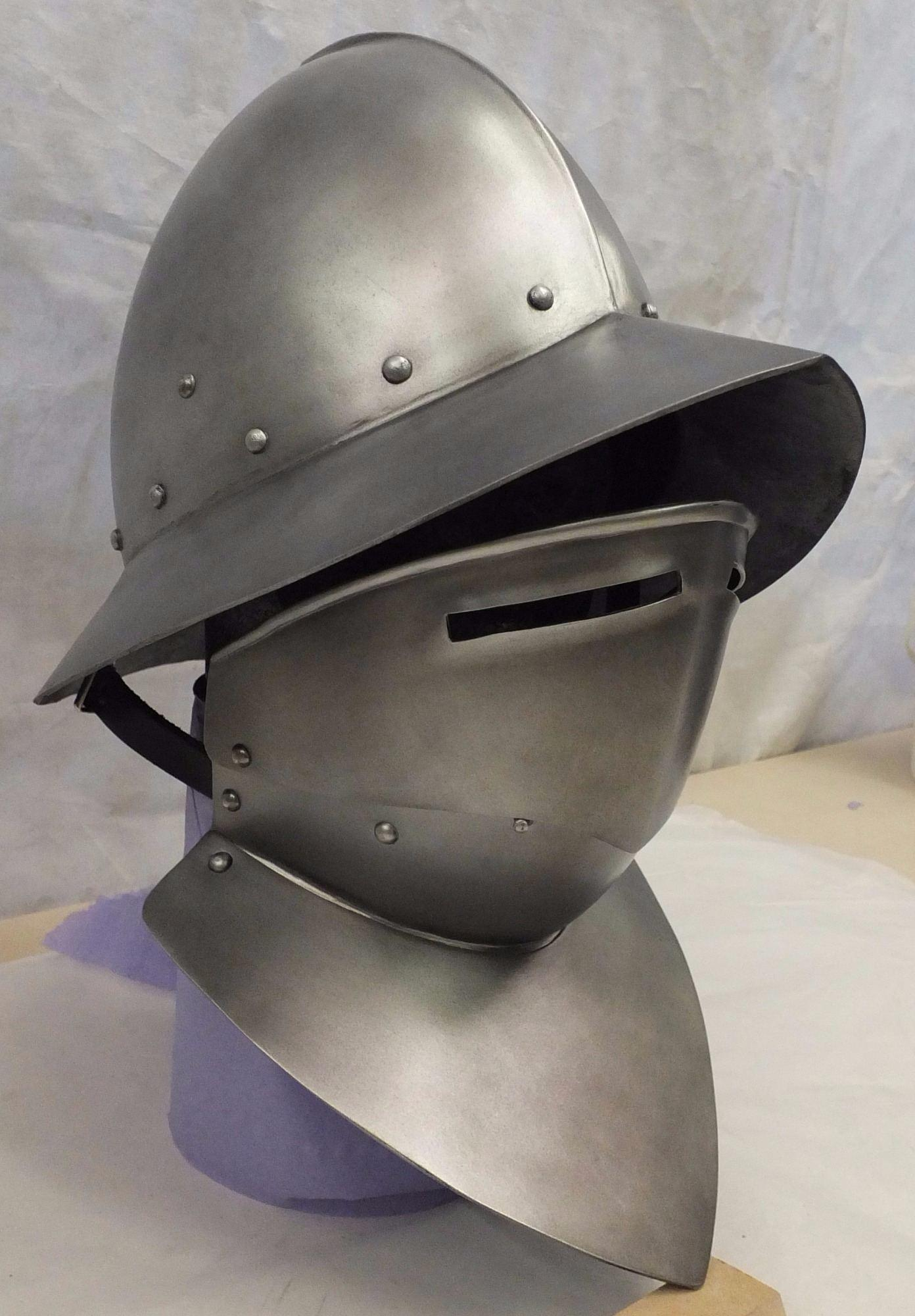 Spanish kettle hat larp helmet with bevor