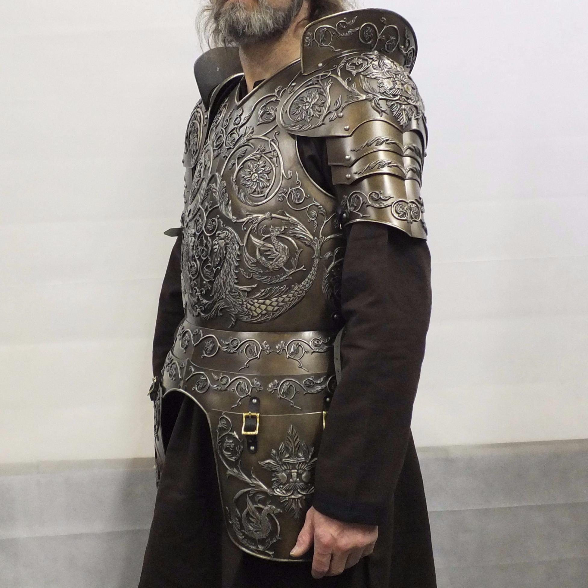Negroli embossed larp armour set side