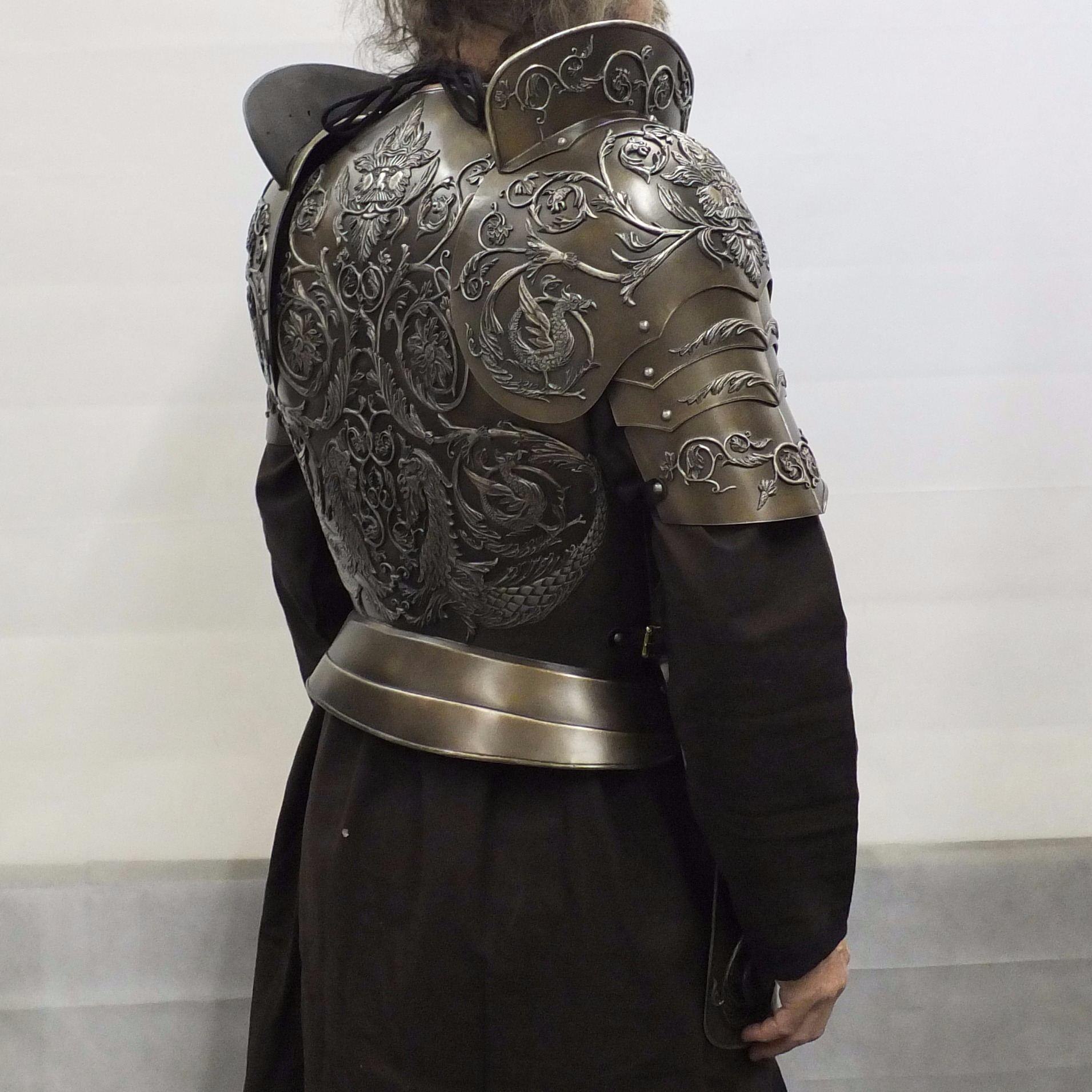 Negroli embossed larp armour set rear