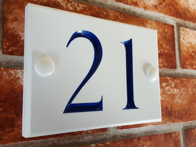2 digit white house number sign