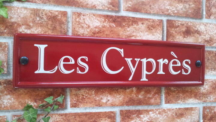 Burgundy house name sign 420mm x 100mm