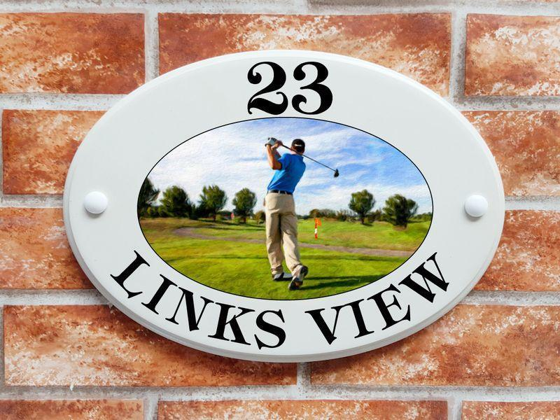 Golf house sign