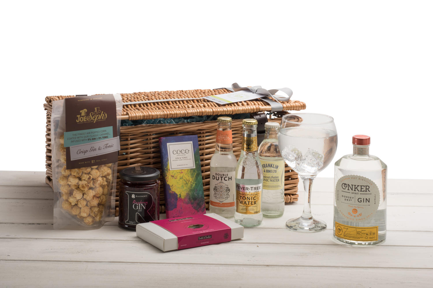 Conker Spirit Gin Wicker Hamper