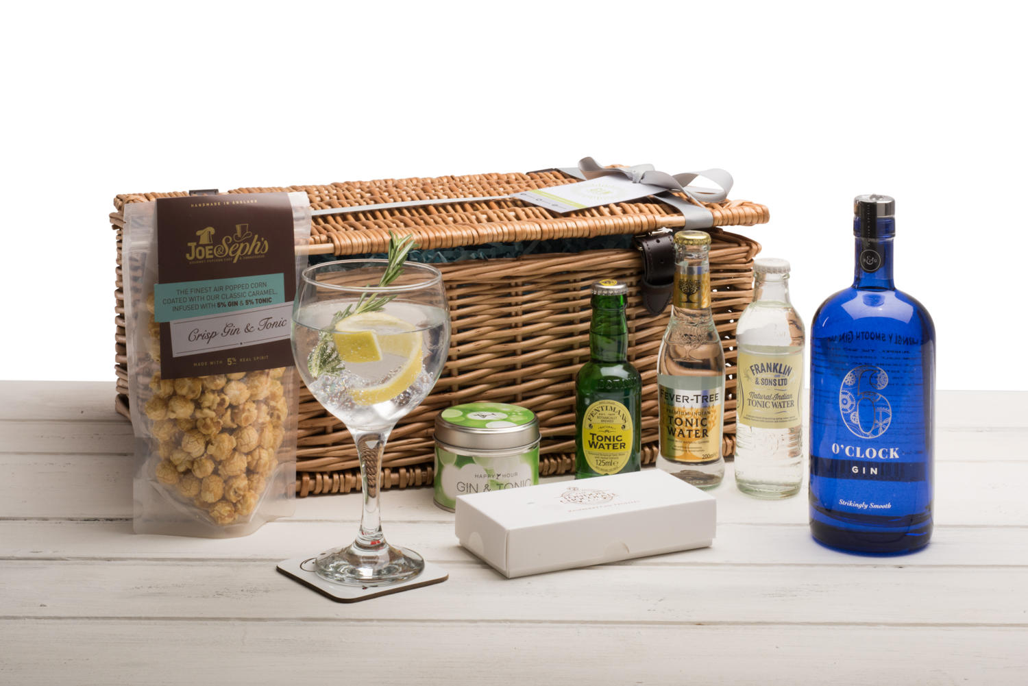 6 O'Clock Gin Hamper (Wicker Basket)