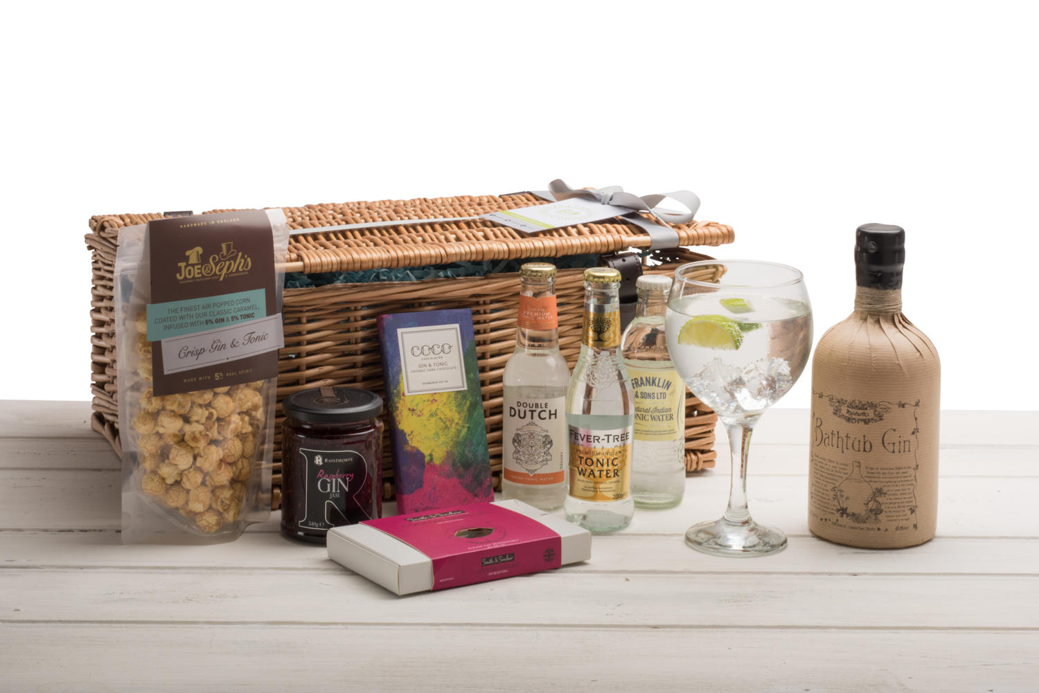 Bathtub Gin Wicker Hamper (Wicker)