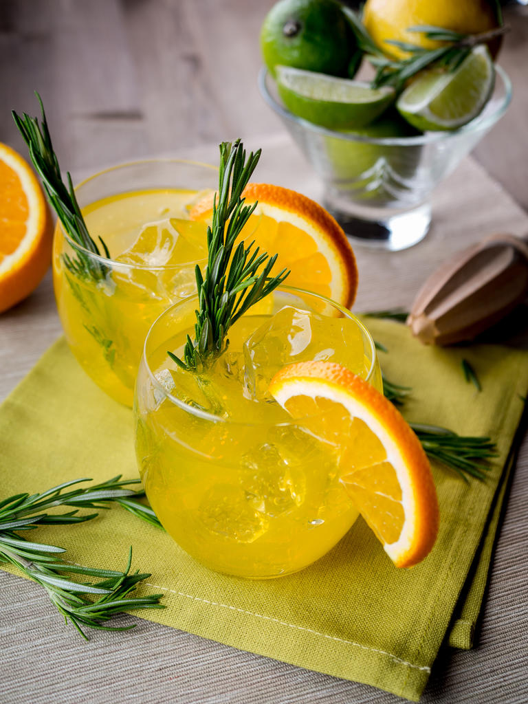 A Guide to Citrus and Herbaceous Gins