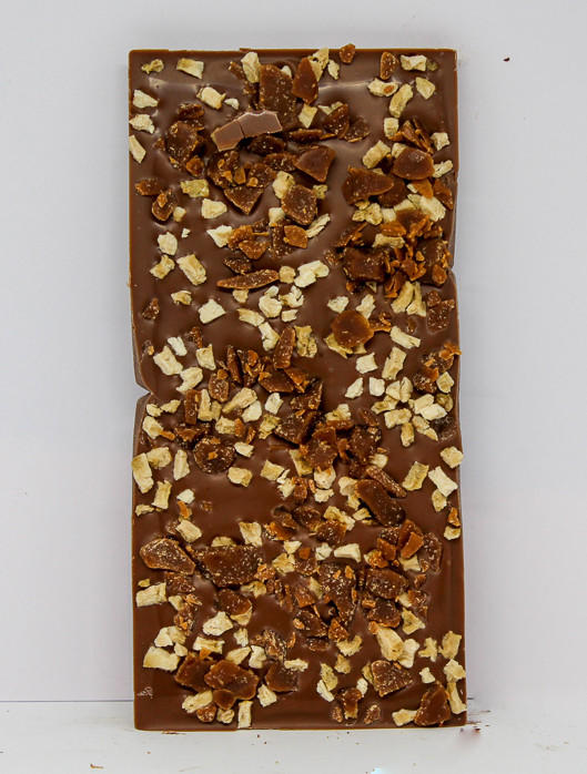34% milk chocolate topped with banana and toffee pieces