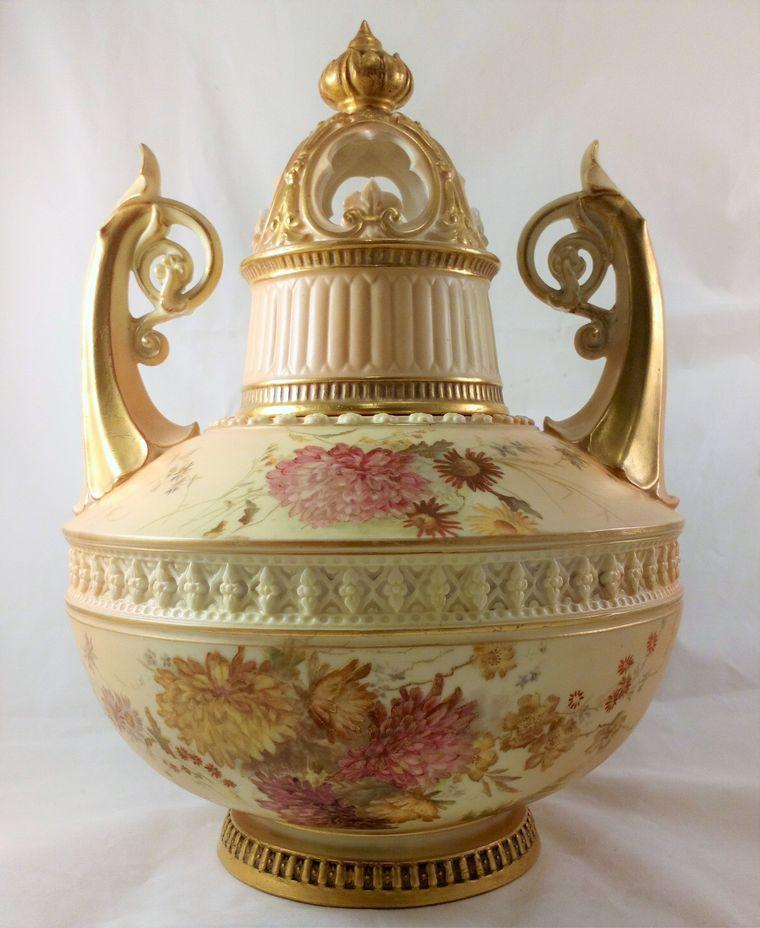 Royal Worcester Porcelain Blush Ivory Potpourri Vase 1256 dated 1890