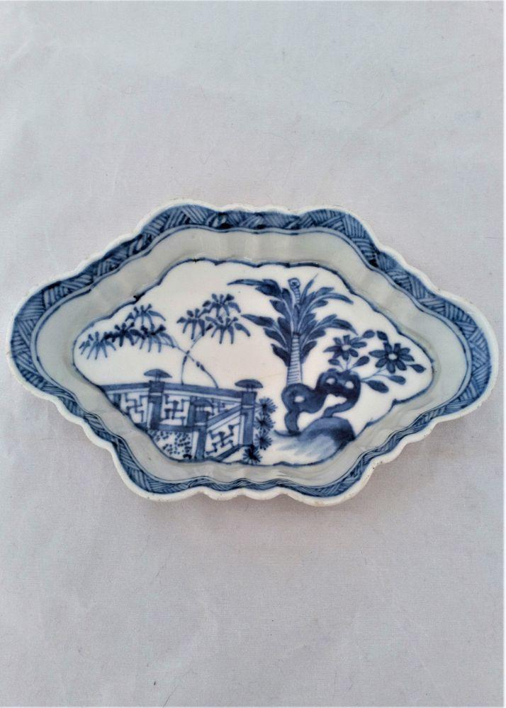 Antique Chinese Export Porcelain Blue and White Painted Spoon Tray Qianlong Qing Dynasty circa 1750