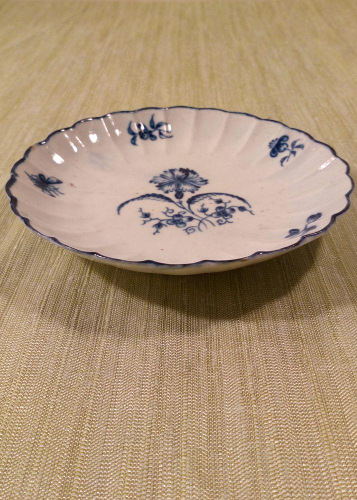 Worcester Porcelain Dr Wall Gilliflower Pattern Ribbed Blue and White Saucer Antique c 1770