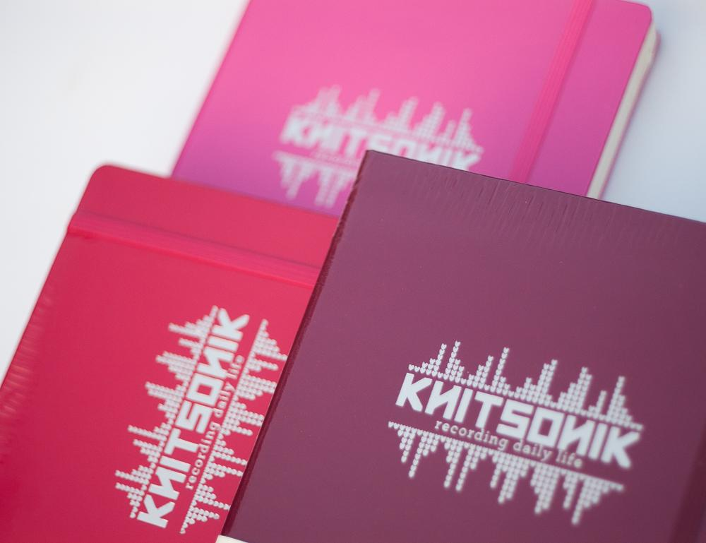 KNITSONIK Leuchtturm1917 books in different shades of pink and red