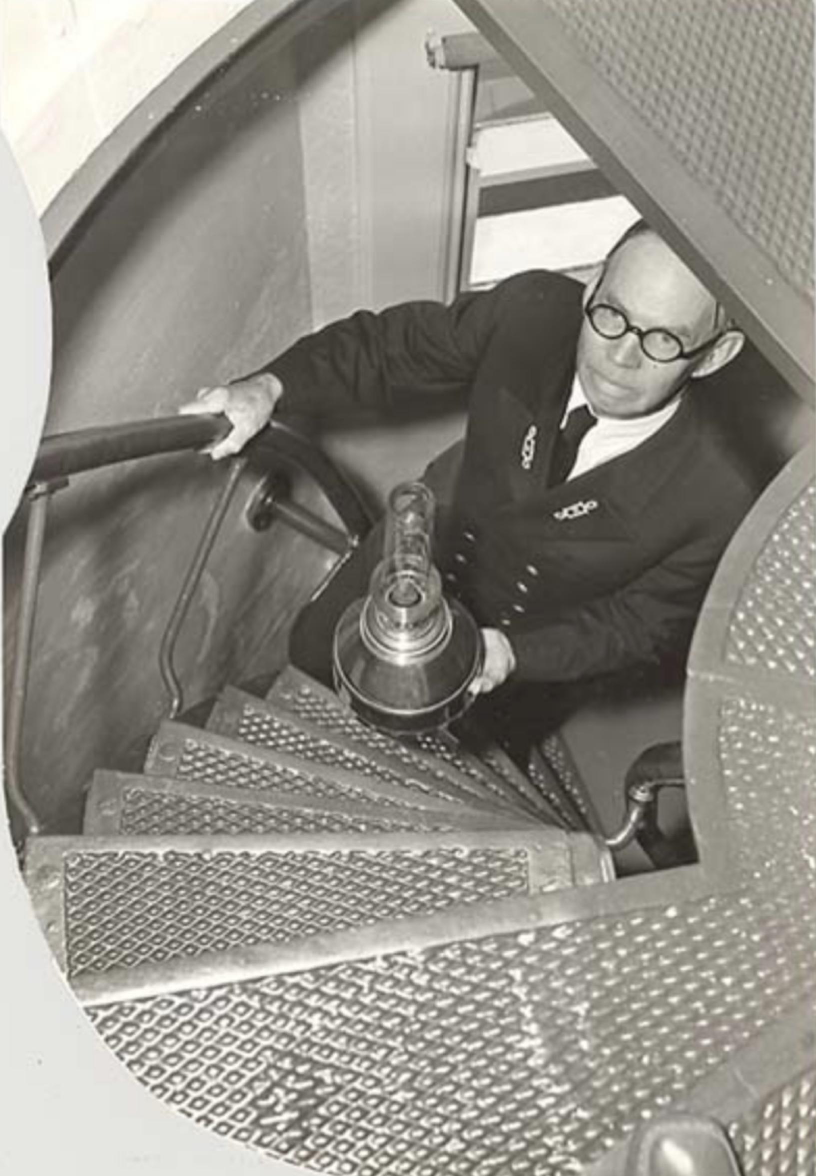 elliot-charles-n-alki-point-wa-1939.jpg