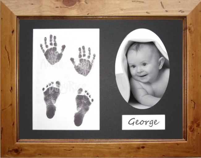 Baby Handprint Footprint Kit Inkless wipe / Rustic Pine Frame