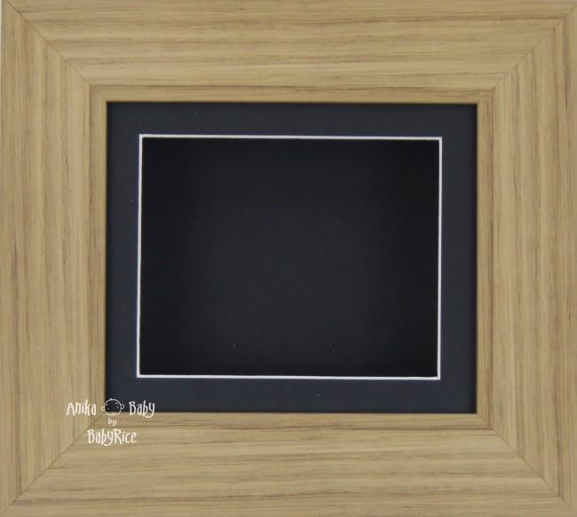 Oak effect Small Display Frame / Black mount & backing card