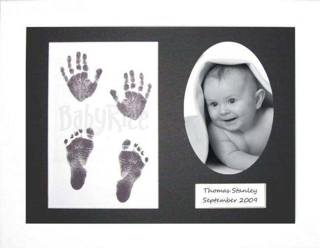 Baby Handprint Footprint Kit / Inkless wipe / White Frame
