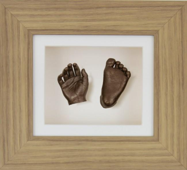 "Baby Casting Kit 6x5"" Oak Effect Frame Cream mount Bronze paint"