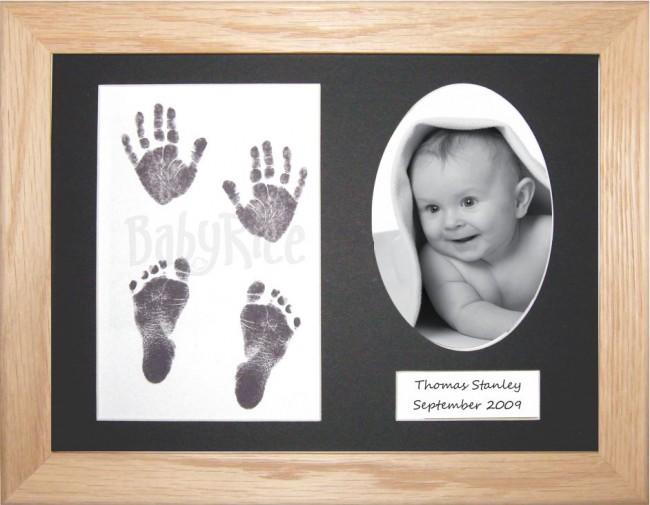 Baby Handprint Footprint Kit Inkless wipe / Solid Oak Frame / Black