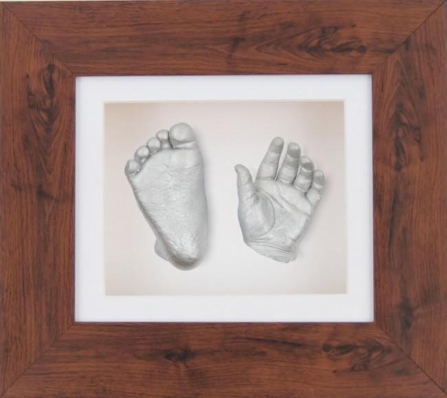 "Silver Baby Casting Kit 6x5"" Mahogany effect Frame White Display"