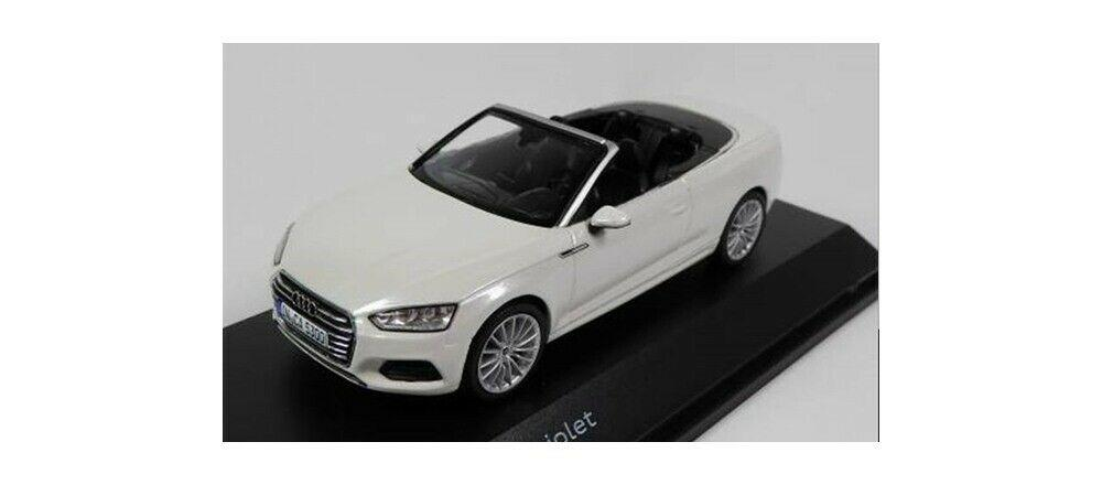 Audi A5 Cabriolet in tofana white 1:43 scale model Audi Collection, Spark