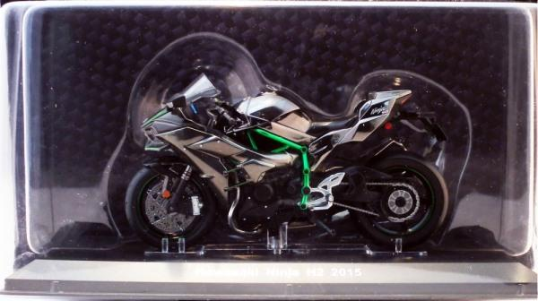 Kawasaki's in 1:18 scale