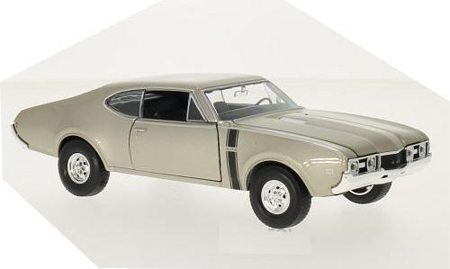 Oldsmobile 442 1968 in gold 1:24 scale model from Welly