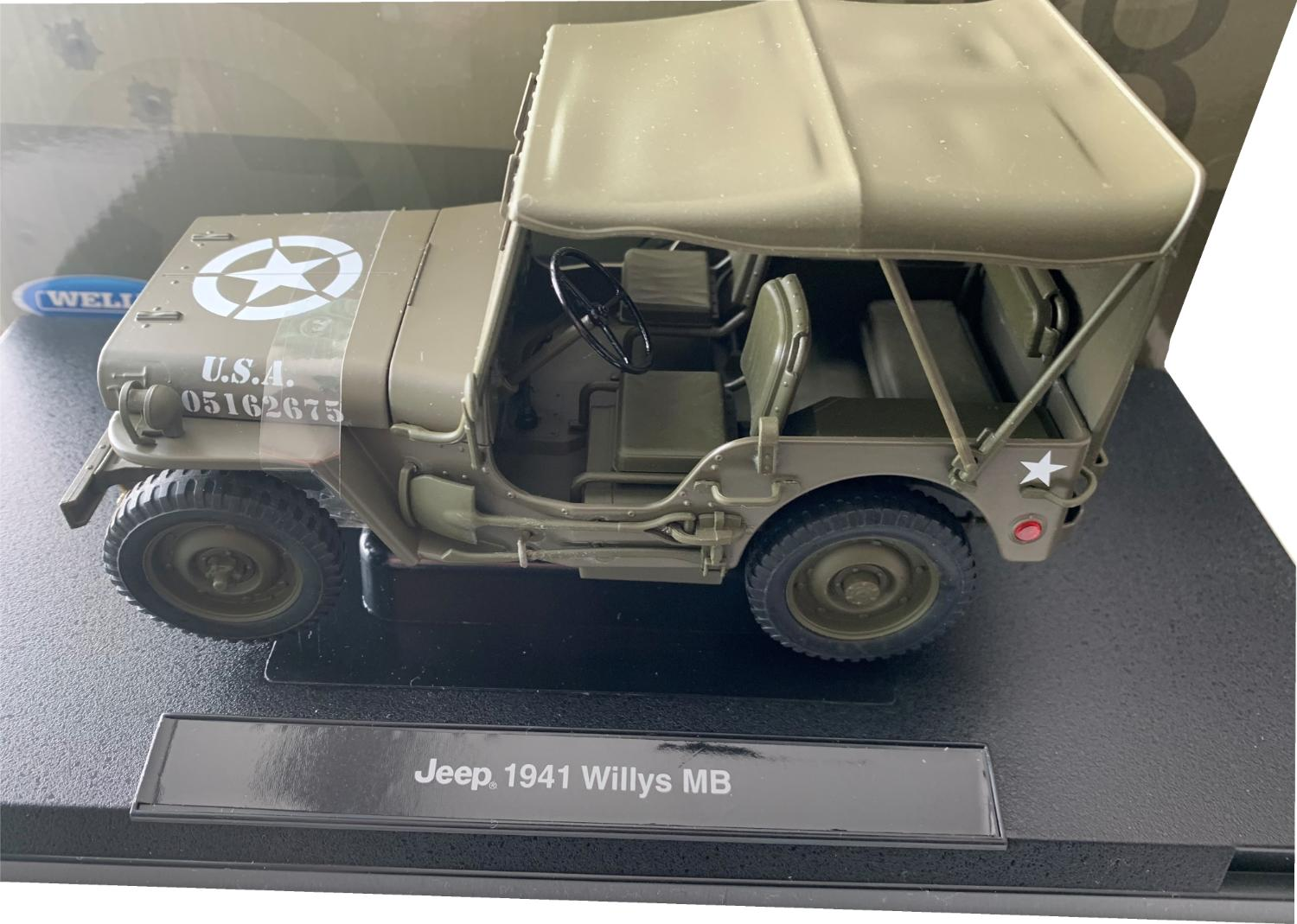 Willys MB USA Military Jeep Closed 1941 in green 1:18 scale model from Welly