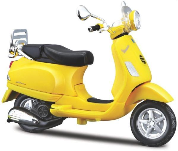 2013 Vespa LXV in yellow, 1:18 scale model from Maisto