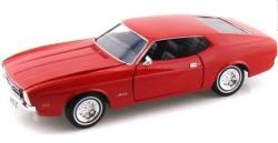 Ford Mustang Sportsroof 1971 in red 1:24 scale model from motor max