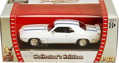 Pontiac Firebird Trans AM 1969 in white 1:43 scale model from Road Signature