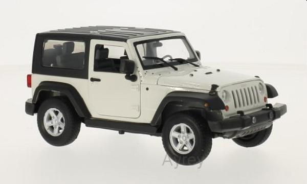 Jeep Wrangler Rubicon Closed Roof in white