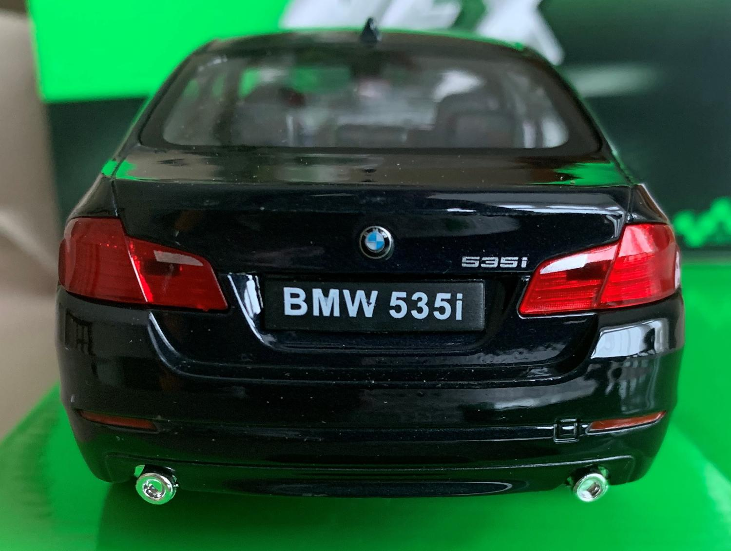 BMW 535i (F10) in metallic dark blue 1:24-27 scale diecast model from Welly