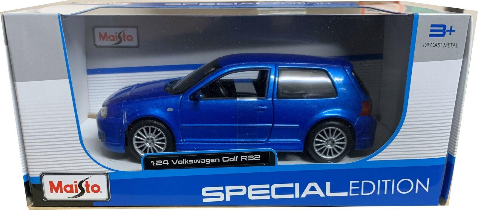 VW Golf R32 blue