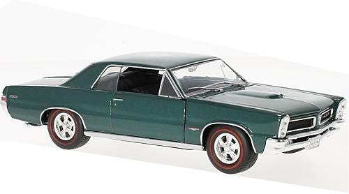 Pontiac GTO 1965 in metallic green 1:24 scale model from Welly