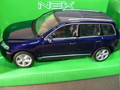 VW Touareg 2002 in dark blue 1:24 scale model from Welly