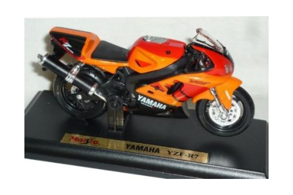 Yamaha's in 1:18 scale