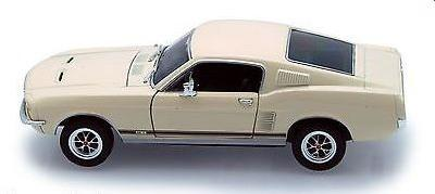 Ford Mustang GT 1967 in cream 1:24 scale model from Welly