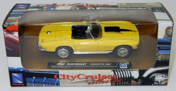 Chevrolet Corvette 1967 in yellow 1:43 scale model from NewRay