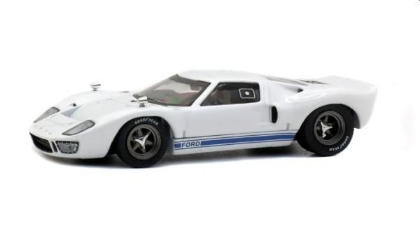 Ford GT40 1966 in white 1:43 scale model from Solido